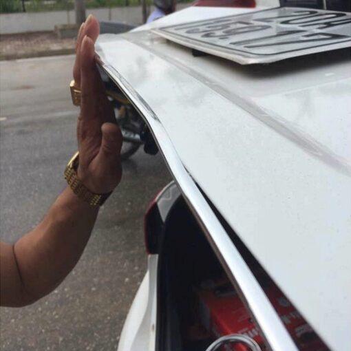 Nẹp chống va đập cửa ô tô
